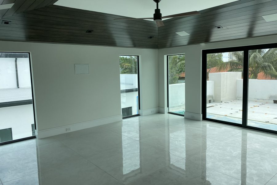 750 W Palm Drive Before Staging